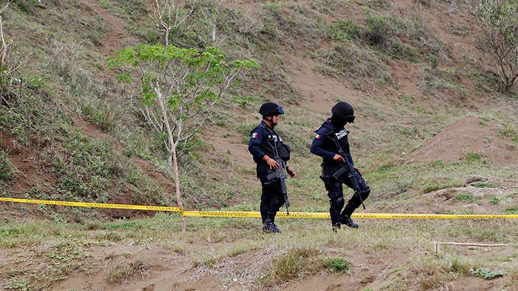 Lanzan tres cuerpos decapitados en Veracruz, México (FUERTES IMÁGENES)