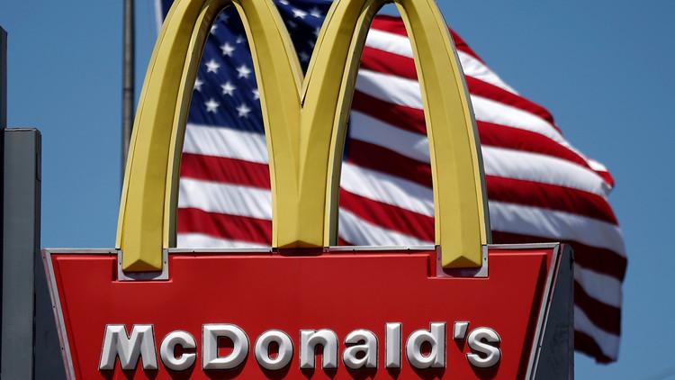 """""""¿Puedes decir Trump y deportación?"""": Empleada de McDonald's maltrata a hispana en EE.UU. (VIDEO)"""