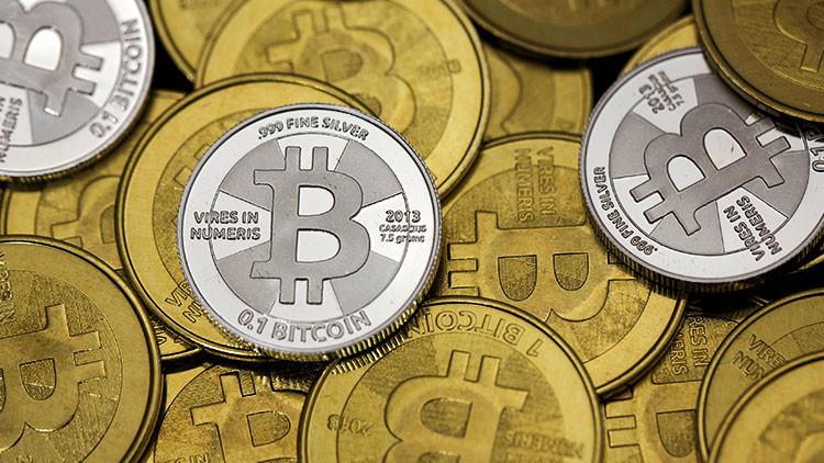 Casi 2.000 dólares en dos semanas: ¿comó China provocó el desplome del bitcóin?