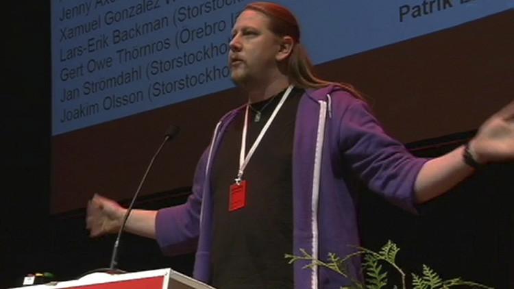 Un dirigente comunista, violado en Suecia por sus convicciones