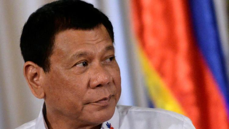 """""""¿Es usted gay o pedófilo?"""": Duterte arremete contra un jefe de la agencia de DD.HH."""