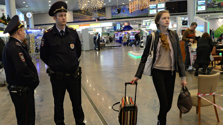 Llamada anónima advierte de un posible ataque terrorista en un aeropuerto de Moscú
