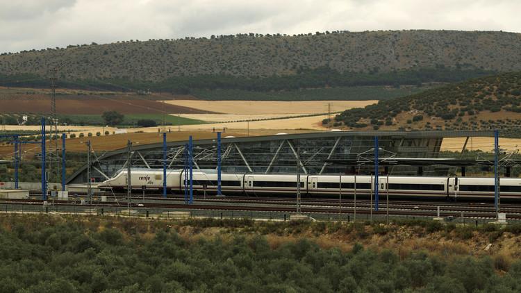 España: 10.000 personas se manifiestan en Murcia para lograr el soterramiento de las vías (VIDEO)