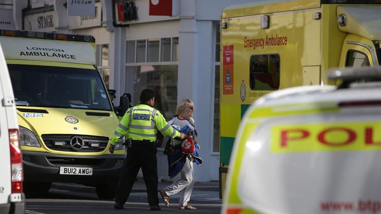 """Los servicios de emergencia británicos atienden """"incidentes químicos"""" en Londres"""
