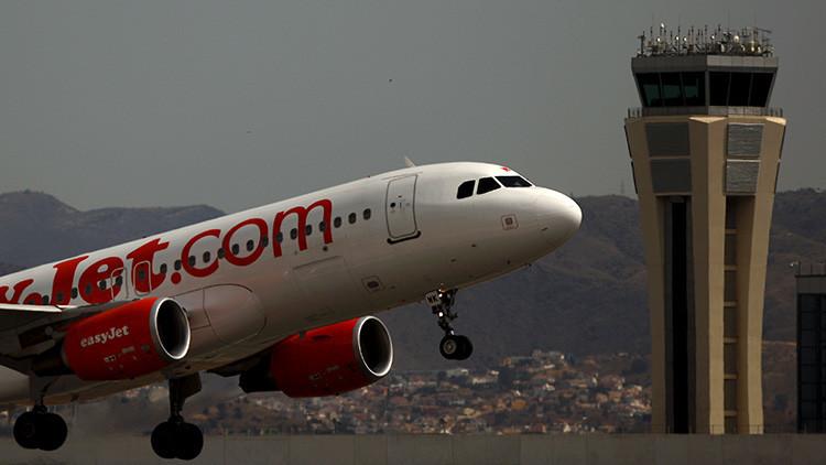 El gobierno de España prohibe el uso del español en las comunicaciones aéreas