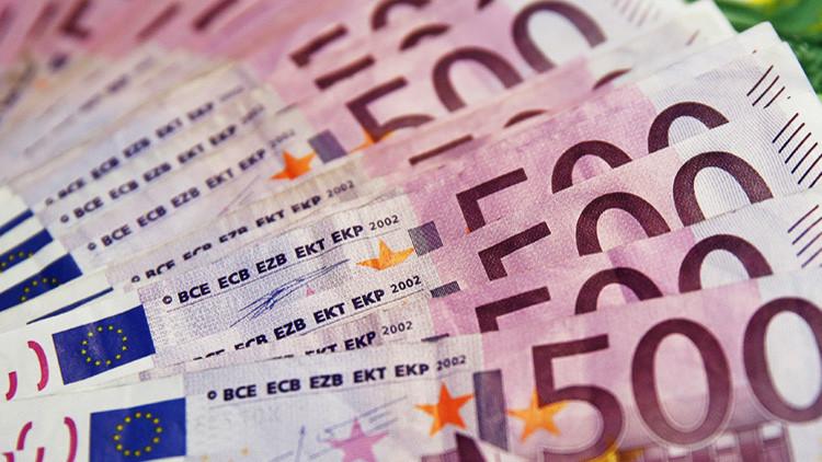 Suiza: El misterio de los inodoros atascados con cientos de miles de euros