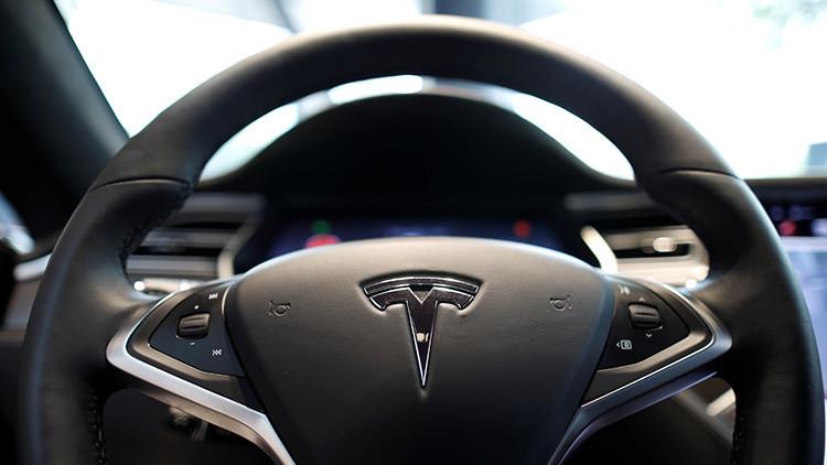 """Elon Musk anuncia la inminente presentación de una """"bestia irreal"""" de Tesla"""