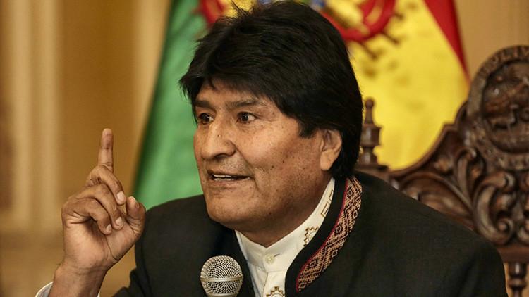 Morales acusa a EEUU de continuar con el 'diablo en casa'
