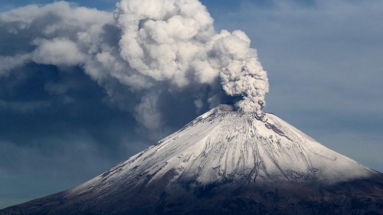 Una fumarola roja fue vista en el volcán Popocatépetl tras el terremoto en México
