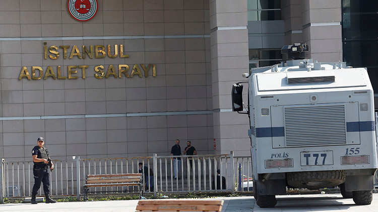 VIDEO: Se registra un tiroteo cerca de un tribunal en Estambul