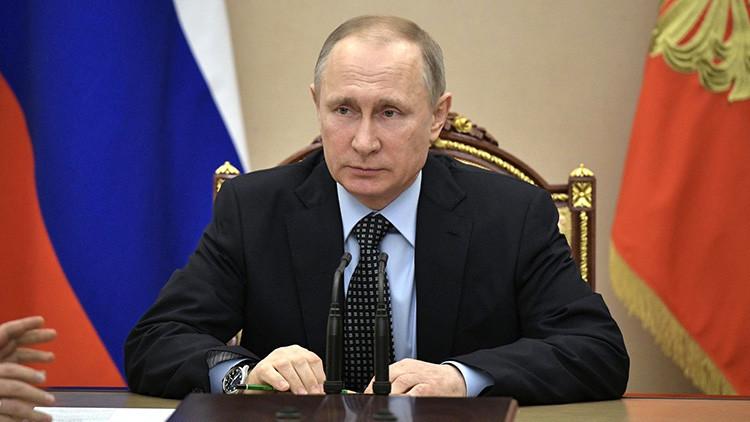 Putin: Rusia ha salido de la recesión y sienta los cimientos para su desarrollo futuro