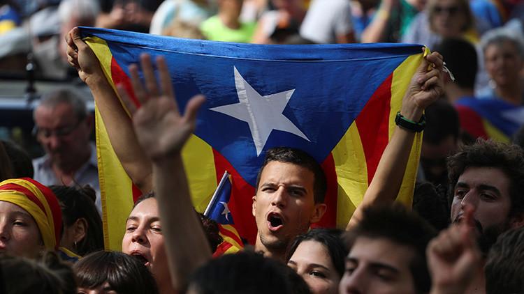 El Constitucional impone multas por primera vez en su historia por la desobediencia en Cataluña