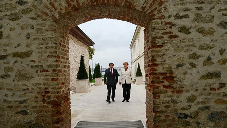 Merkel se muestra dispuesta a disminuir aún más la cooperación económica con Turquía