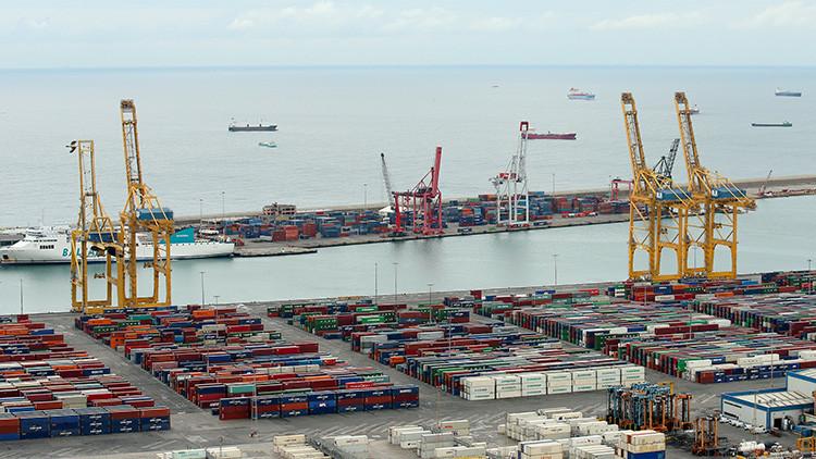 Los estibadores de Barcelona se niegan a atender un barco enviado por el gobierno de España