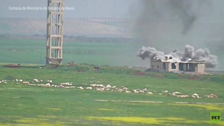 Video espectacular: Ataques de aviones rusos abren paso al rescate de un comando rodeado en Siria