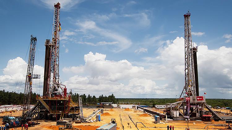 EEUU no ha descartado el embargo petrolero sobre Venezuela