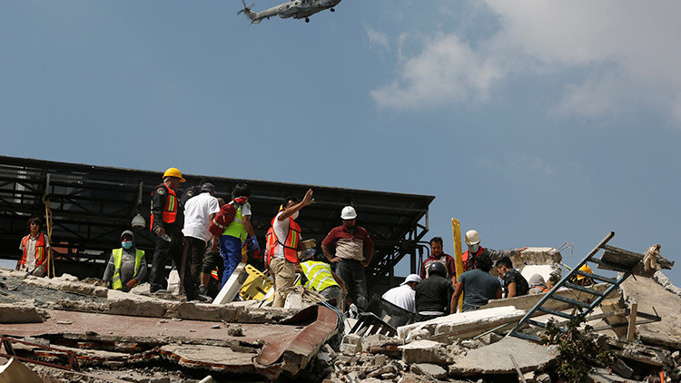 México: Se estrella un helicóptero de la PGR con ayuda para los damnificados por el terremoto