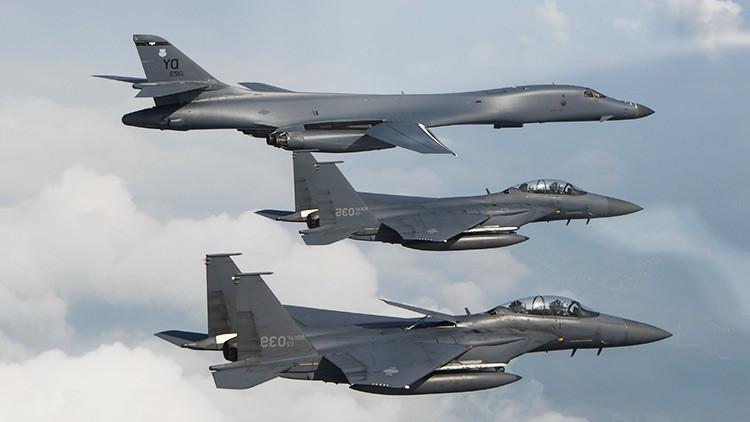 Bombarderos B-1B de EE.UU. sobrevuelan aguas internacionales al este de Corea del Norte
