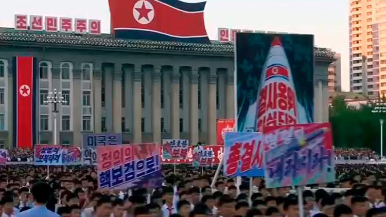 VIDEO: Miles de norcoreanos se reúnen en Pionyang para manifestarse contra Trump