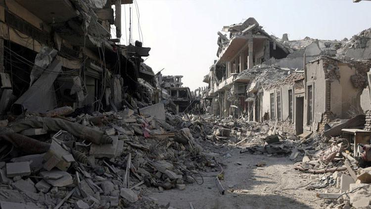 """""""Sin tomar precauciones"""": HRW acusa a la coalición liderada por EE.UU. de matar a 84 civiles en Raqa"""