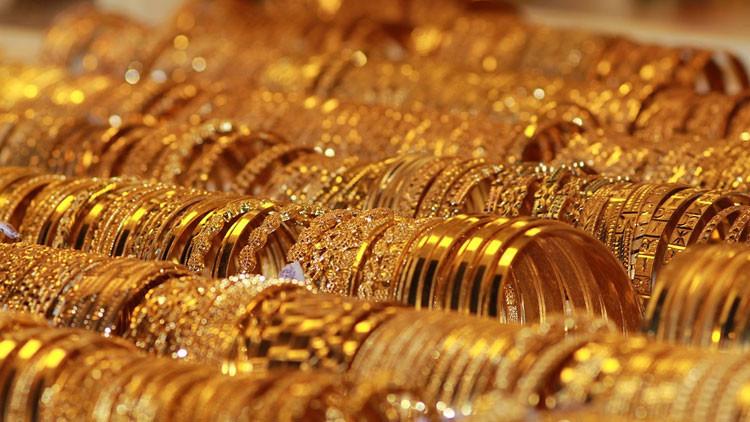 Detienen en Sri Lanka a un contrabandista con el trasero atestado de... oro