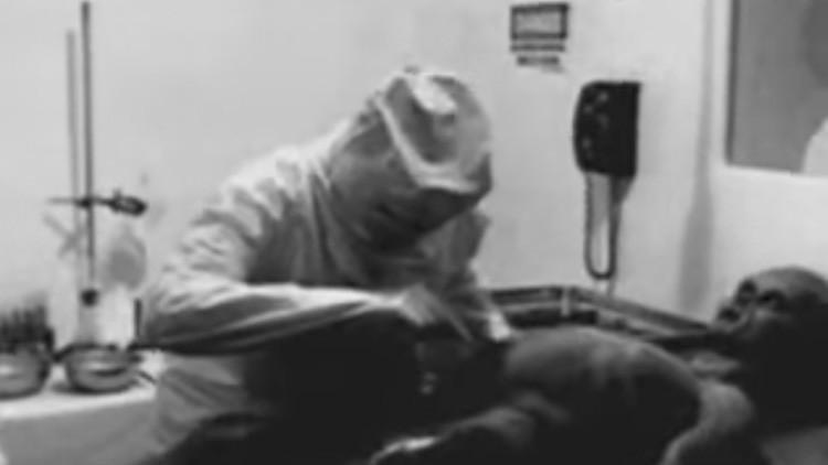 Un productor revela la verdad detrás del video de la 'autopsia a un extraterrestre de 1947'