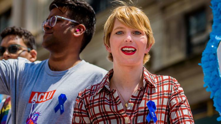 Canadá le niega entrada a la ex soldado Chelsea Manning 'por traición' (FOTOS)