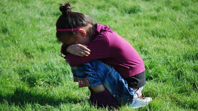 """""""No quiero vivir más"""": el conmovedor relato de una niña que intentó suicidarse por sufrir 'bullying'"""