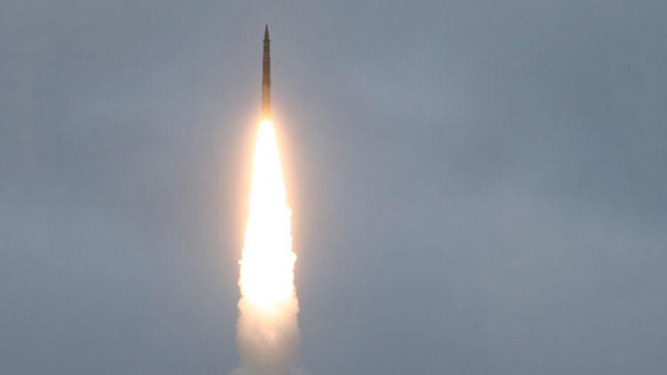 Moscú: Rusia prueba un misil balístico RS-12M Topol