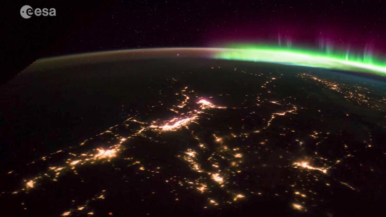 VIDEO: Así se ve una impresionante aurora boreal desde el espacio