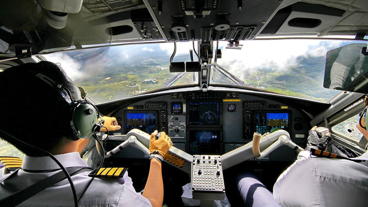 Muere un piloto de Etihad Airways en pleno vuelo