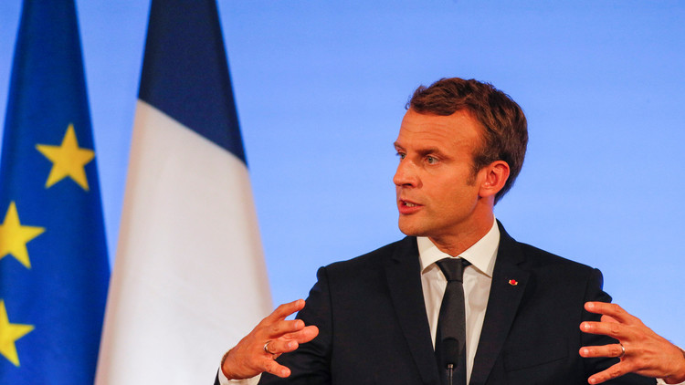 'Rey Primero de Europa-OTAN': Twitter estalla en burlas contra Macron