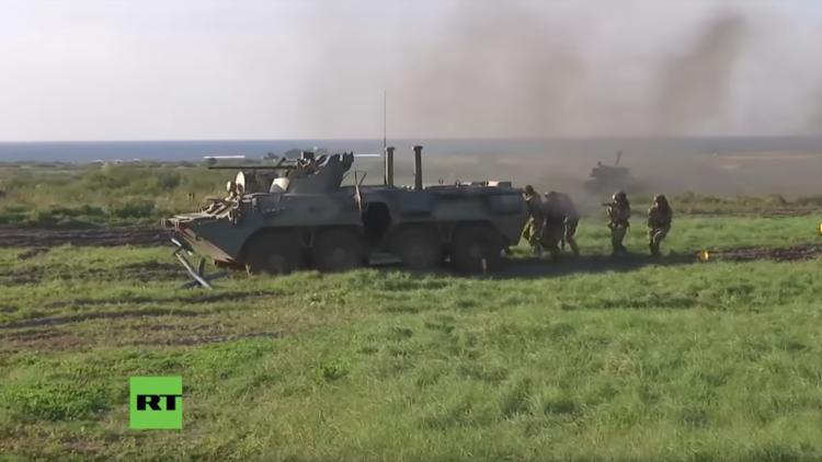 Video: Infantería de Marina rusa a pleno rendimiento en el litoral báltico