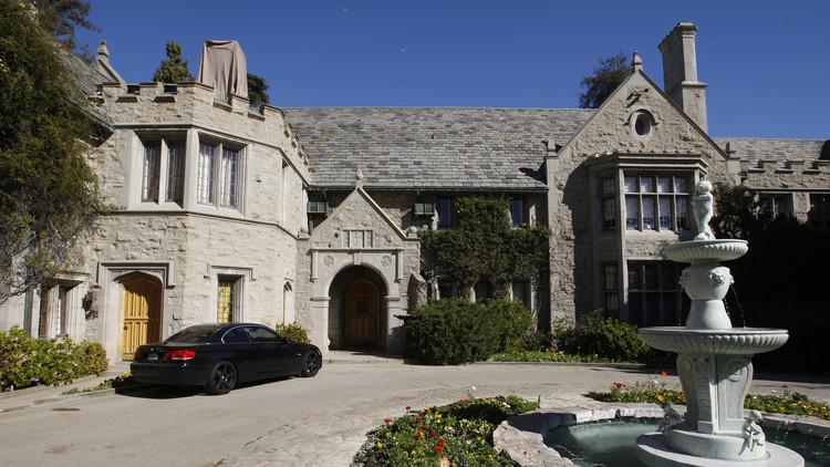 ¿A manos de quién va a parar la famosa mansión Playboy de Hugh Hefner?