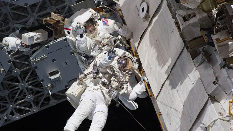 """Astronauta británica: """"El sexo amenaza la colonización de Marte"""""""