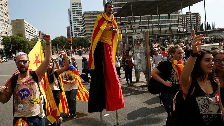 Estudiantes de Cataluña reivindican su derecho a votar en el referéndum prohibido