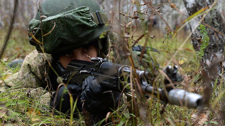 Un militar fuertemente armado mata a tres de sus colegas en el este de Rusia y se da a la fuga