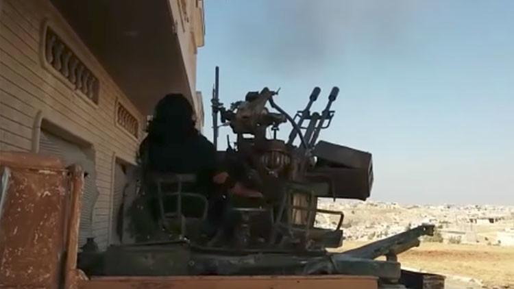 VIDEO: Los intentos fallidos de los rebeldes sirios de derribar un caza ruso Su-25