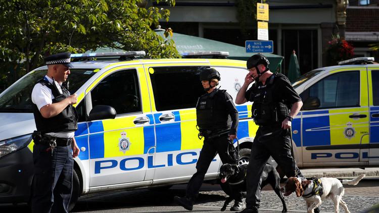 """""""Policías armados por todas partes"""": Evacúan en Londres una estación del metro (VIDEOS)"""