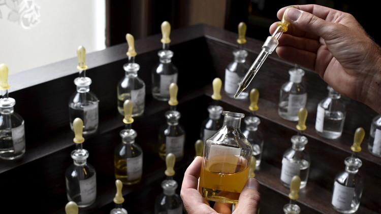 'El perfume': revelan el principal peligro de las fragancias