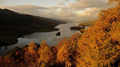 Lago Tummel, Perthshire, Escocia, Reino Unido, 29 de octubre de 2009.