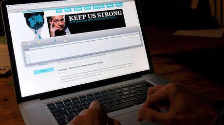 Un 'hacker' visita el portal WikiLeaks en Lille, Francia, el 9 de diciembre de 2010.