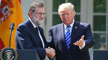 Saludo entre el presidente de España, Mariano Rajoy, y su homólogo de EE.UU., Donald Trump.