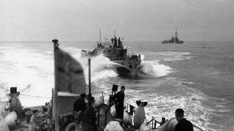 Buques de la Kriegsmarine surcan el Atlántico