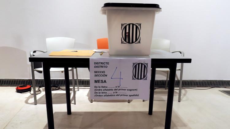 El Gobierno catalán permite a los votantes imprimir sus propias papeletas y llevarlas a las urnas