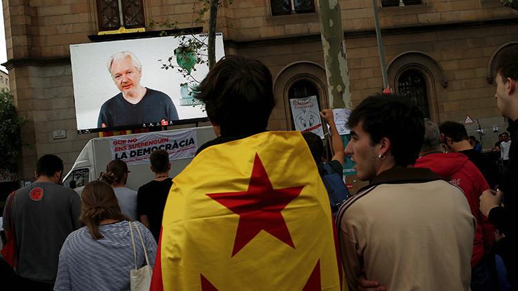 Assange pide a Juncker que suspenda a España de la UE por la violencia en Cataluña
