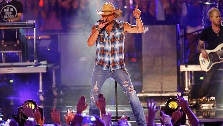 VIDEO: El cantante Jason Aldean abandona el escenario en pleno tiroteo en Las Vegas