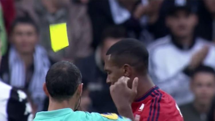 """La expulsión """"más ridícula"""" en la historia del fútbol"""