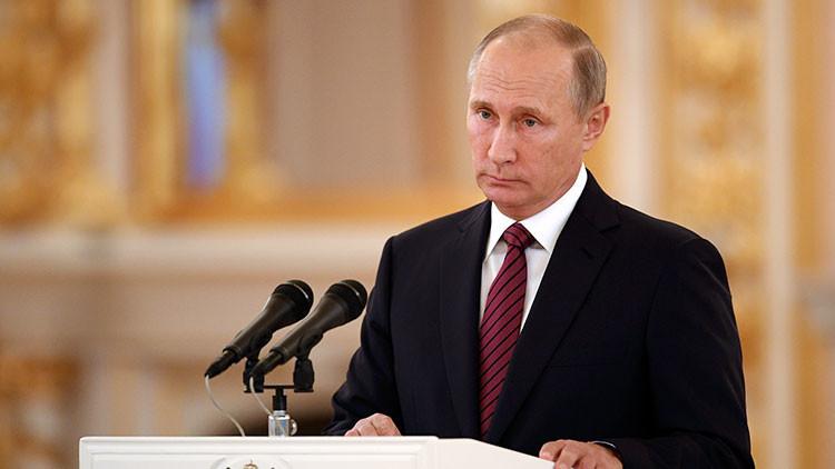 """Putin: Rusia llama a una cooperación """"previsible, constructiva y mutuamente beneficiosa"""" con EE.UU."""