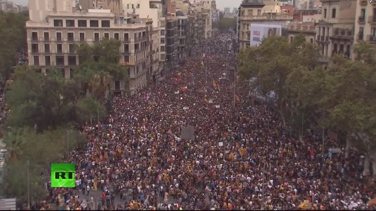 VIDEOS: Protestas masivas en Barcelona contra el Gobierno español